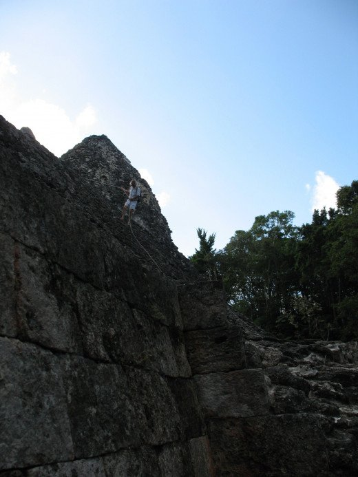 Alejandro scaling structure 8 at Becán