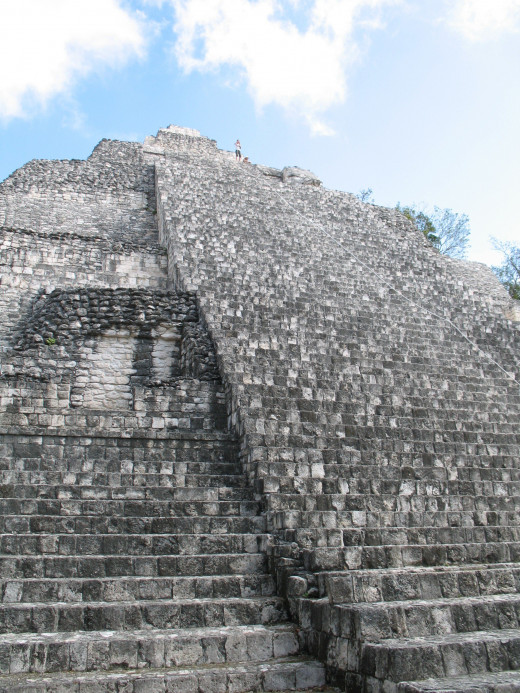Looking up from the base of the pyramid of Becán