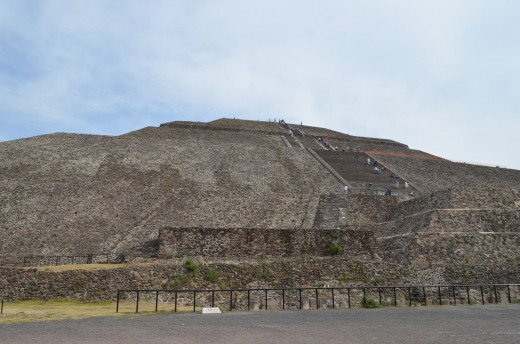 Pyramid of the sun as seen from the avenue of the dead. 2014
