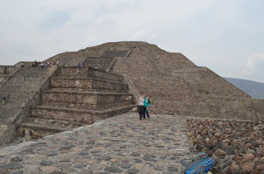 Alesia and me in front of the pyramid of the moon. 2014