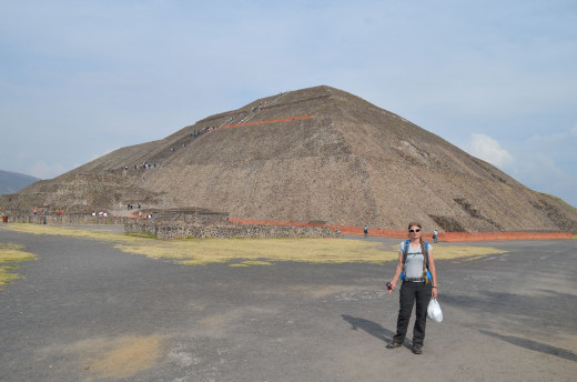 Alesia with pyramid of the sun in background. 2014