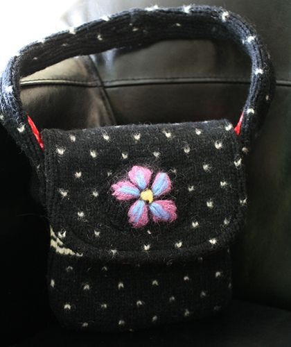 Upcycling Sweaters into Bags