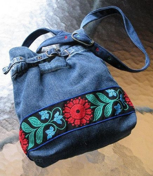 Upcycling Jeans and Pants into Bags