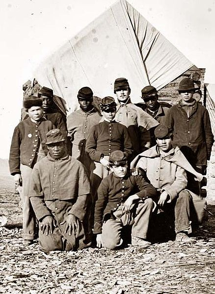 African American and White Soldiers during the Civil War - Wikimedia Commons