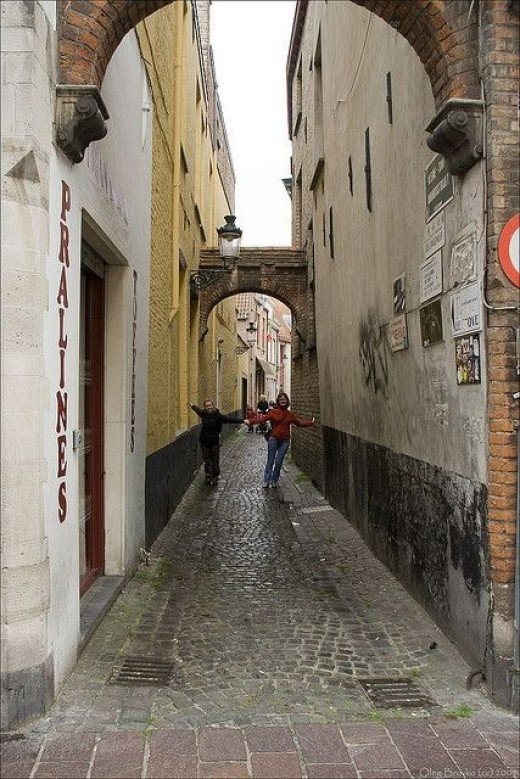 Narrow Streets and Roundabouts