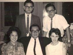 Malayan friends ar a farewell