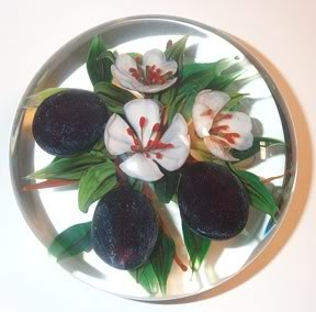 A paperweight made by Rick Ayotte (Ayotte Glass Studio)