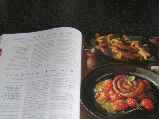 Photo and instructions (top) for preparing pork sausages in spicy wine with apples