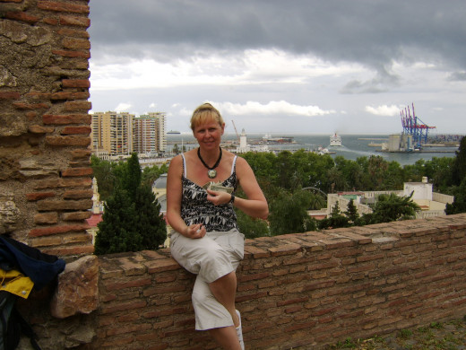 Dr Yulia Matskevich looks after The Five Dollars during their visit to Malaga Castle