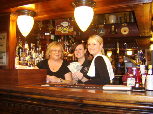 Beverley Campbell, Sarah Gilmore and Katie Walker Introduce The Five Dollars to The Ship Inn, Irvine