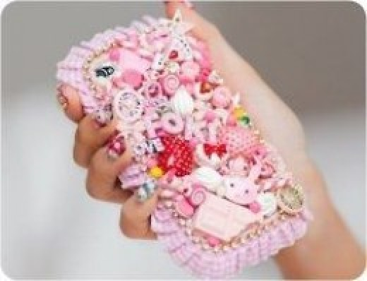 A typical gem-ed up gyaru handphone