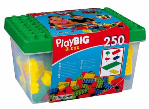 This is a popular 250 count Play-big Big Blocks set that has been around for many years.  This features the buildable lid and easy storage container for quick clean up.