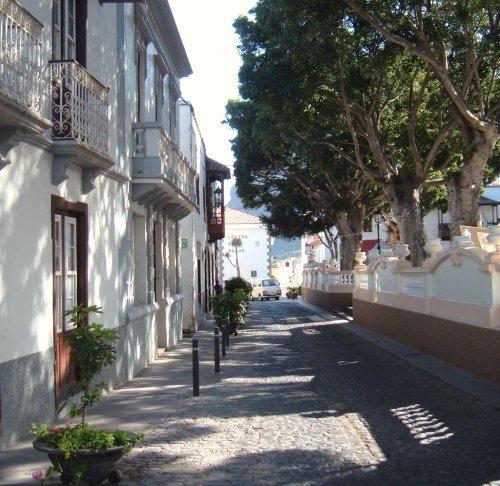 Los Silos quiet street