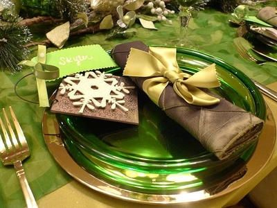 Green Christmas by www.hgtv.com