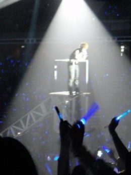Lightsticks in Action during a Super Junior Super Show 4 in Singapore