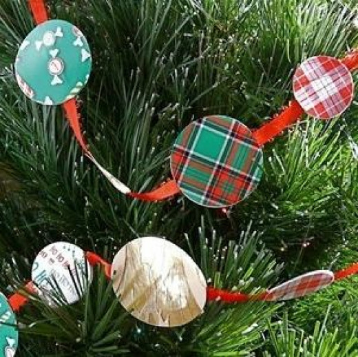 used-greeting-card-crafts-garland