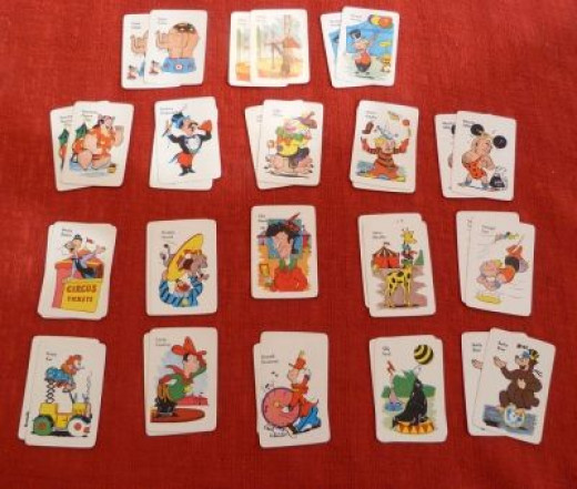 There are 34 cards and one Old Maid (center)