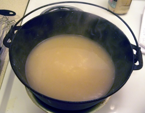 Add broth slowly to keep smooth and cook until thickened.
