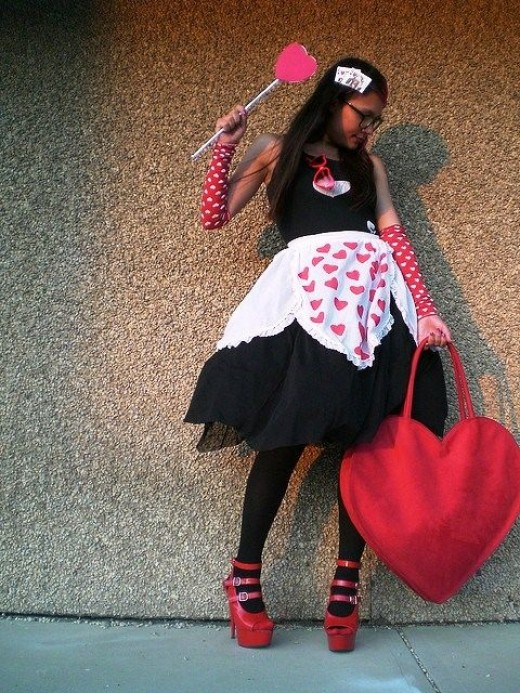 Gothic Queen Of Hearts Costume