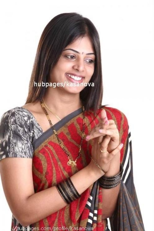 Kerala Cine Actress Sindhu Menon in Hot Photos