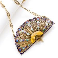 Retro Vintage Locket Fan Shaped