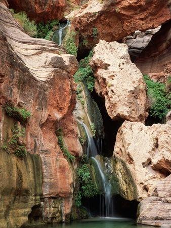 Waterfall in Elves Chasm