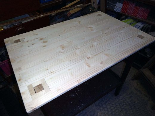 Fitting table top to tea trolley