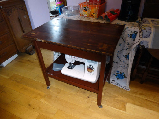 With removable top in place, trolley used as a sewing table