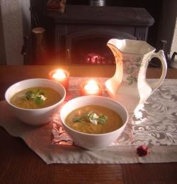 Jerusalem artichoke soup ready to serve