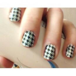 Black And White Nail Stamp Design