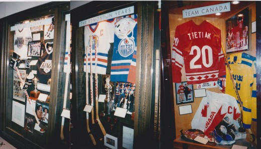 Wayne Gretzky's restaraunt  Career hall and other artifacts displays