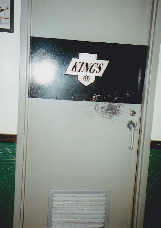 Gretz's resturant 'Kings' bathroom