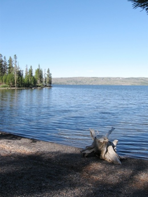 Lewis Lake on the southern route