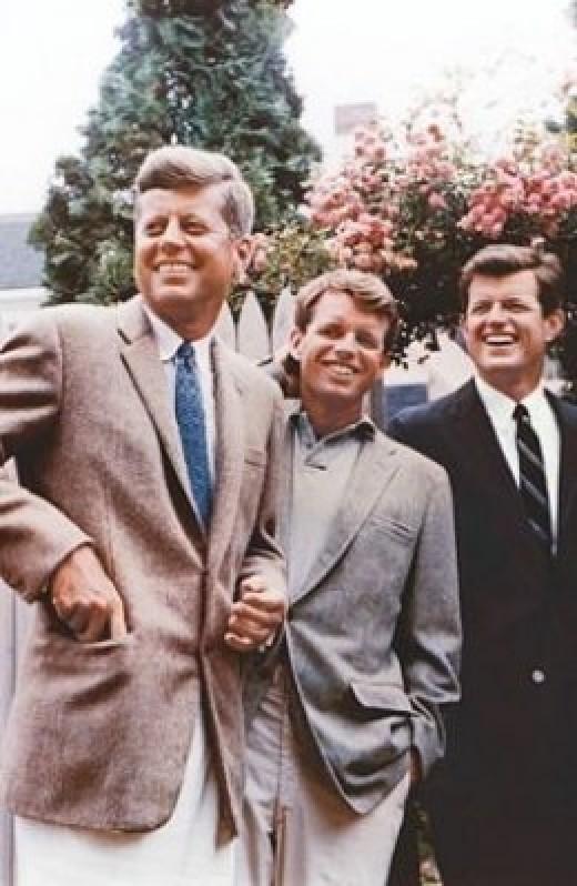 Kennedy bros. United states Senate [Public domain], via Wikimedia Commons