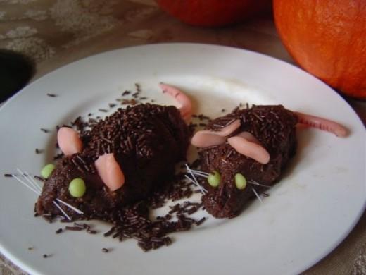 Can Rats Eat Chocolate Cake