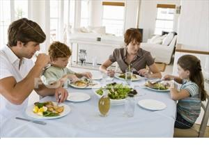 Eating together prove boon for growing kids