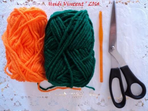 Crochet Accessories - Scissors - Crochet Yarn - 5.5 mm (I-9) Crochet Hook