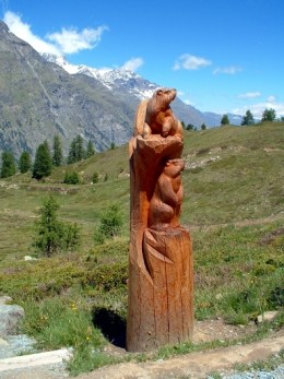 Woodcarving near Sunnegga