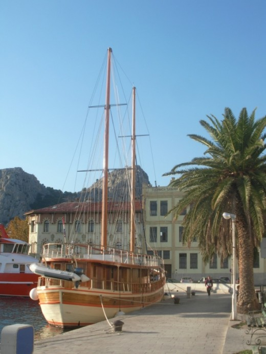 Omis romantic cruise