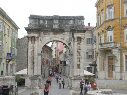 Istrian Y takes you to Pula, the largest town on Istria peninsula