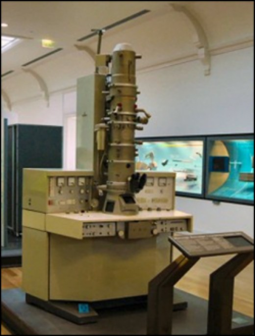 1973 Siemens electron microscope
