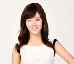 Han Hye Rin as Lee Shin Young