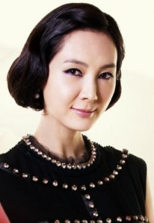 Chae Si Ra as Chae Young Ran