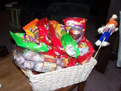 A Home-made Back to School Gift Basket
