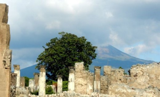 Looking at Vesuvio from Pompei