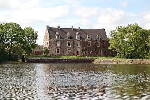 Comper Castle