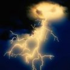 LIGHTNING  - THE FACTS EVERYONE SHOULD KNOW!!