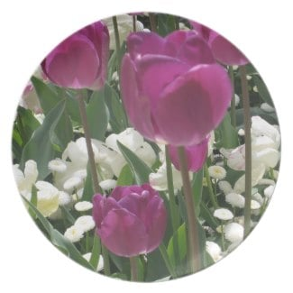 Get this tulip design on a plate
