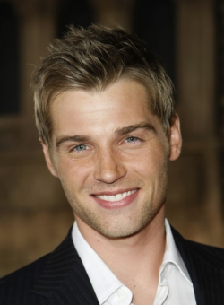 Johnny Foote will be played by Mike Vogel