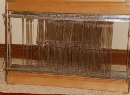 Loom purchased from eBay. Parts and pieces photo 1